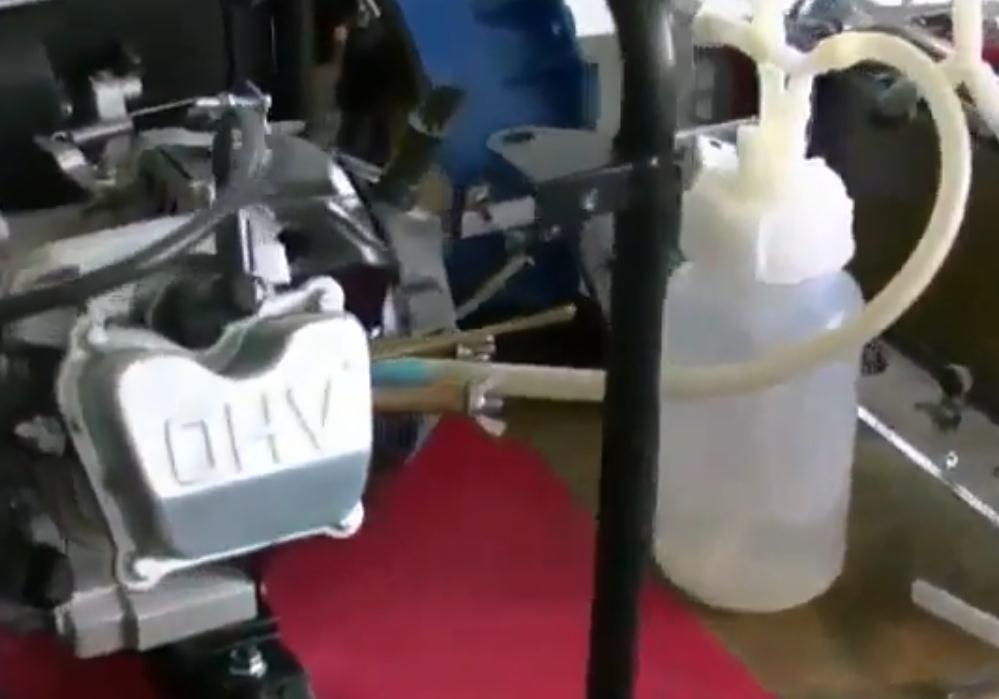 Чтобы в домашних условиях разложить воду на газ нужны: катализатор, дистиллированная...  Один литр воды становиться...