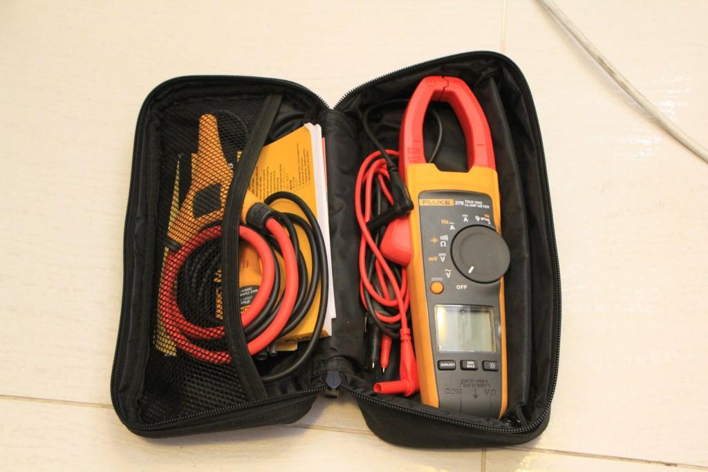 Токоизмерительные клещи Fluke 376 с измерением истинных среднеквадратических значений переменногопостоянного тока с датчиком iFlex
